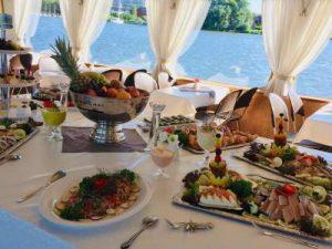 Catering für Kaperfahrten